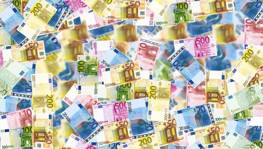 Lage rente: Nederlanders sparen alsnog