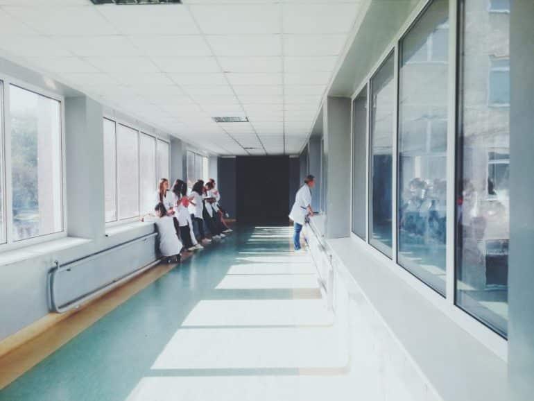 Ziekenhuizen maken tarieven behandeling bekend